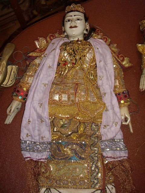 balanese adult lady puppet hand made 30 inches high c19001920 adorned with sequins gold threading 1 of 4